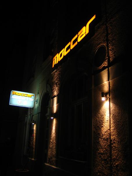 moccar1.jpg