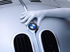 """""""Die Nacht der weißen Handschuhe"""" im BMW M1 Café"""