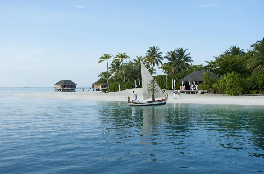 Conrad-Maldives_Chapel-of-love-wedding