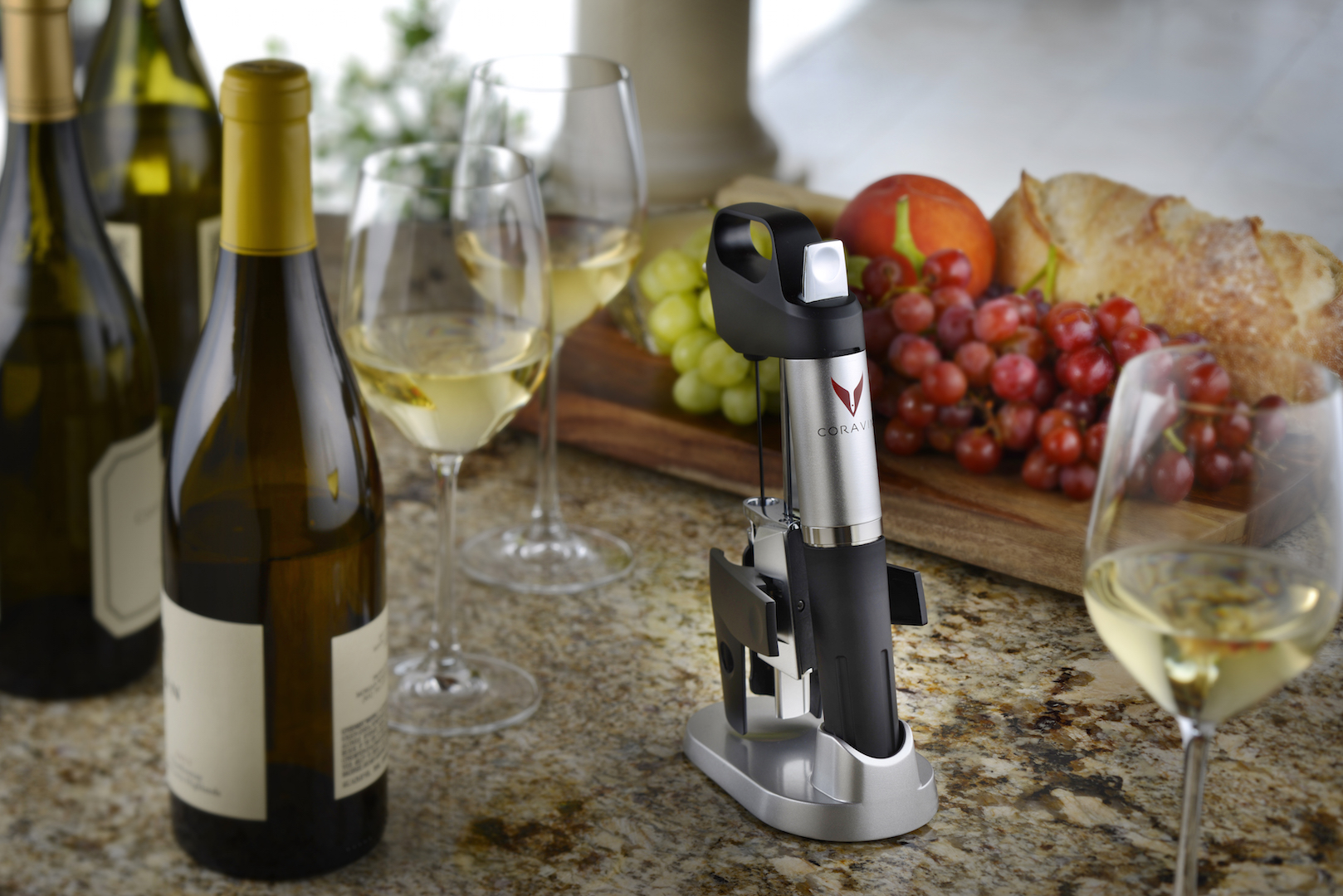 Coravin Lifestyle Shot - Pour enjoy and repeat