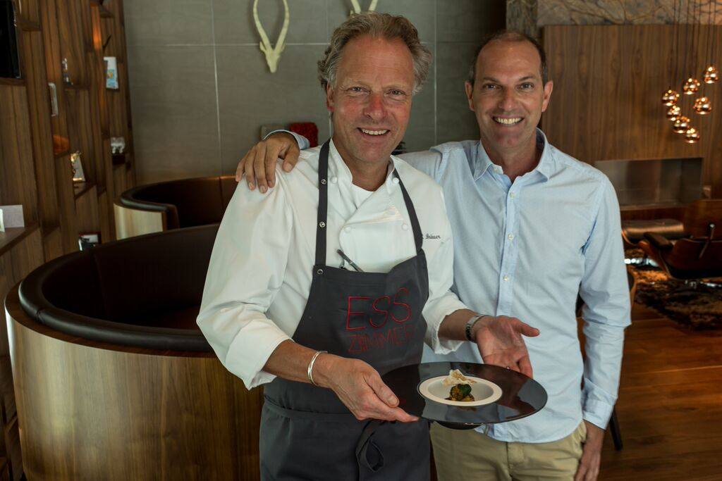 Bobby Bräuer und Hannes Tiefenthaler mit rochini Carbon Teller