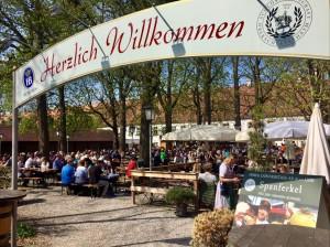 Ables Schlosswirtschaft Oberschleißheim Alm darf bis 2020 bleiben.