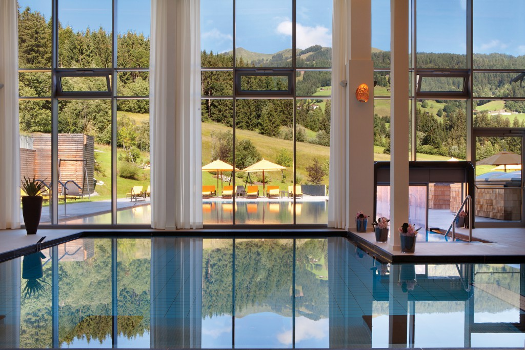 JPEG_Kempinski Das Tirol_Spa_Indoor Pool (2)