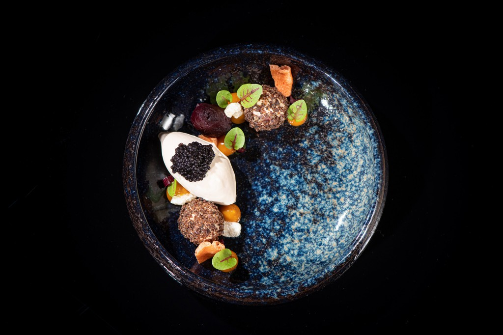 5__Leber Praline, Rote Beete und Kaviar modern angerichtet_by_MrMrsPorter_268